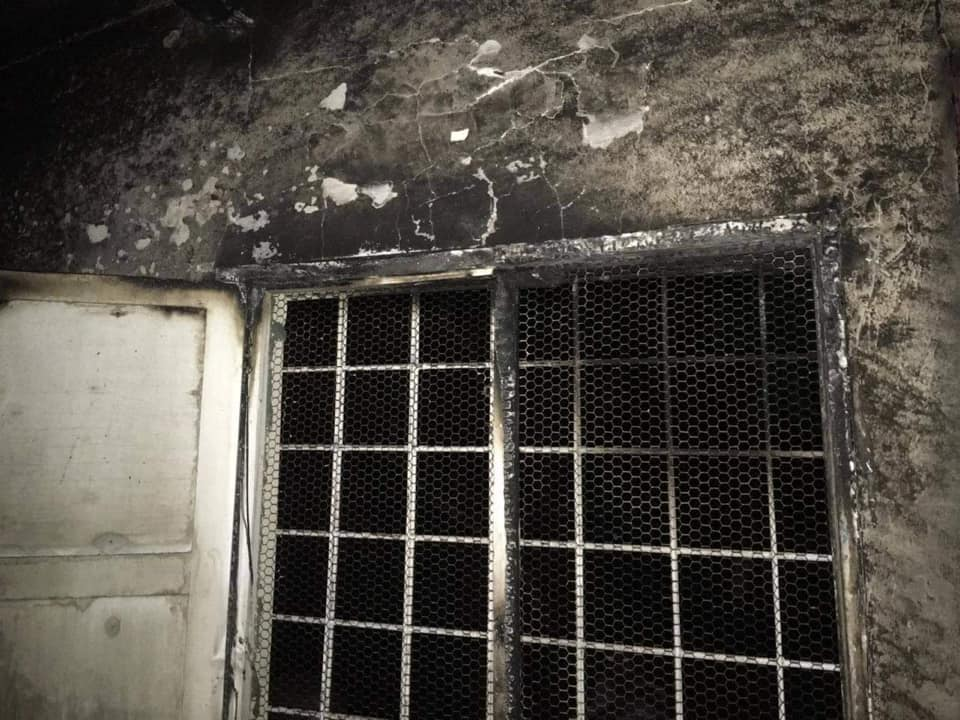 Desconhecidos incendiam a casa da mãe de Manuel de Araújo