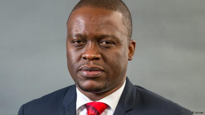 Helder Mendonça é agredido com Catana em Maputo