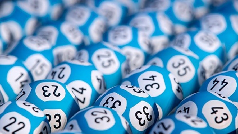 Homem guarda durante dez meses prémio de lotaria no valor de 41 milhões de euros