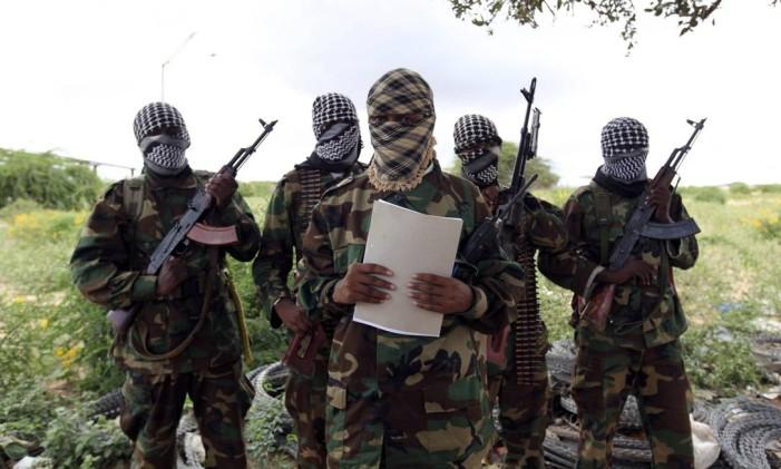 Insurgentes matam 20 membros das FDS e cinco Russos