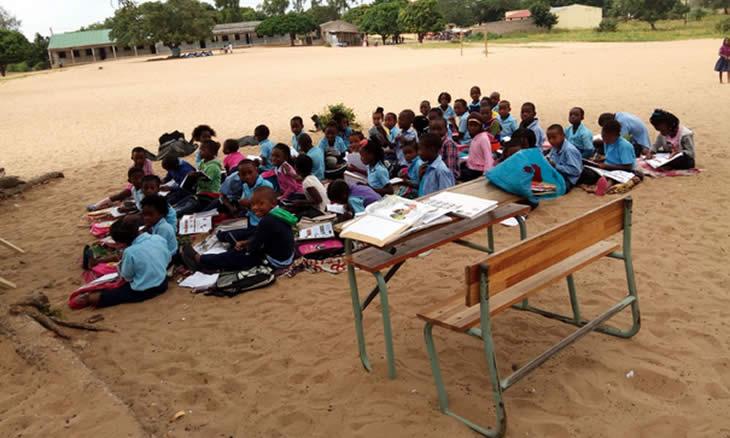 Mais de 500 alunos estão ao relento na Escola Primária de Ndlavela