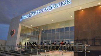 Pastores angolanos expulsam brasileiros da liderança da Igreja Universal