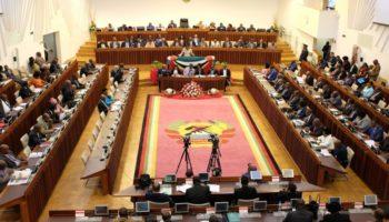 Assembleia da República aprova lei que regula pandemia e calamidade pública