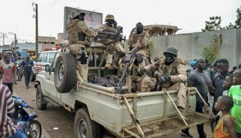 Forças Armadas do Mali derrubam governo do país