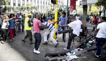 Violência xenófoba contra moçambicanos faz um morto na África do Sul