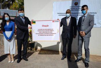 Huawei Moçambique Doa equipamento de videoconferência e sistemas de medição de temperatura ao MCTES e MISAU