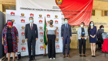 Huawei faz a entrega oficial de equipamento de TIC's a Escola Secundaria da Matola