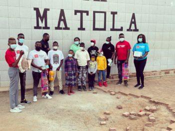 Ladfilms e a MINDSET oferecem máscaras e produtos não perecíveis ao Infatário da Matola