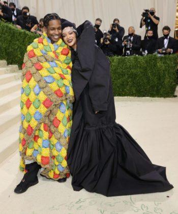 Fotógrafos envolvem-se em pancadaria por foto de Rihanna